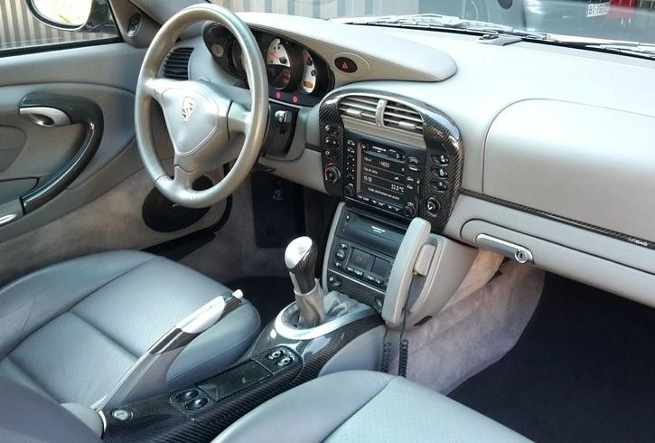 Occasion porsche 911 turbo type 996 noir basalte chez flat for Interieur 996