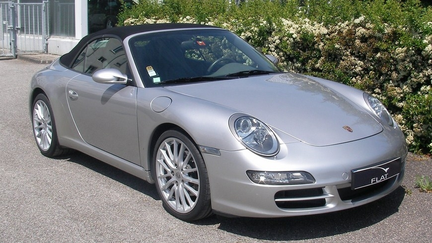 occasion porsche 911 carrera cabriolet type 997 gris arctique chez flat 69 lyon r gion rh ne. Black Bedroom Furniture Sets. Home Design Ideas