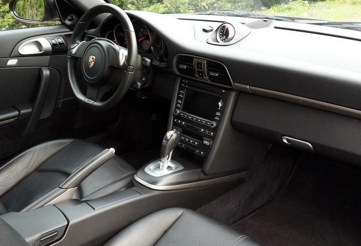 Occasion porsche 911 carrera type 997 noir basalte chez for Interieur 911 sc