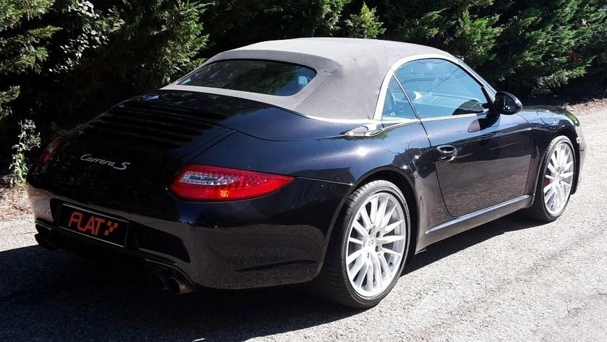 occasion porsche 911 carrera s cabriolet type 997 noir chez flat 69 lyon r gion rh ne alpes. Black Bedroom Furniture Sets. Home Design Ideas
